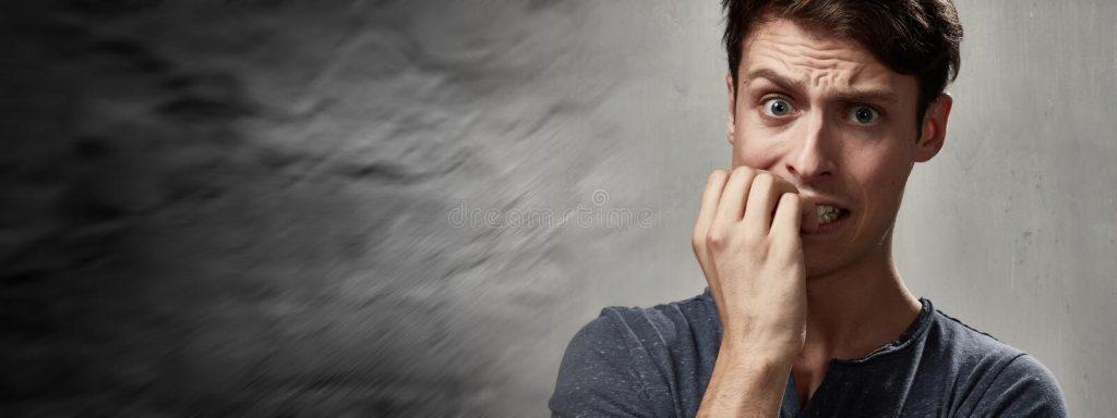 homem ansioso